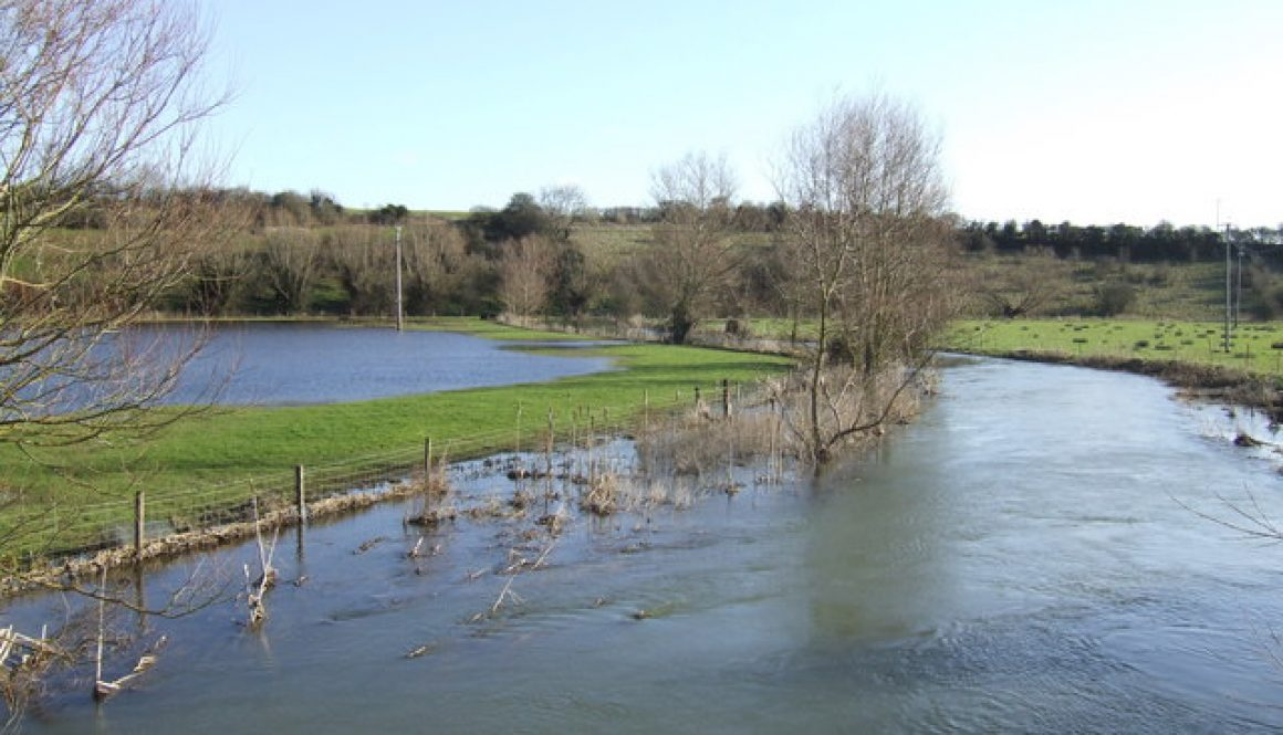 River Windrush in Flood: www.geograph.org.uk photo 319441